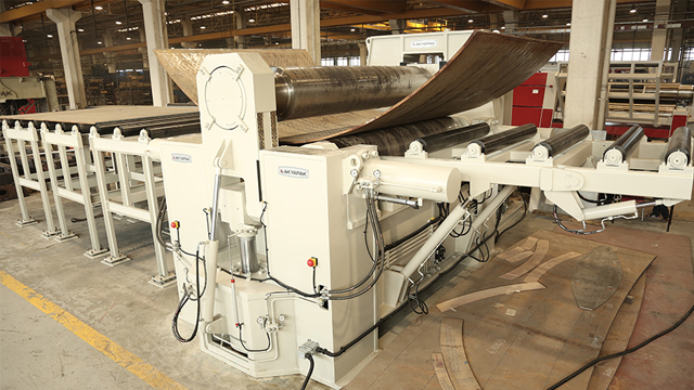 Akyapak Produces Turkey's First and Largest Horizontal Moving Cylinder Machine